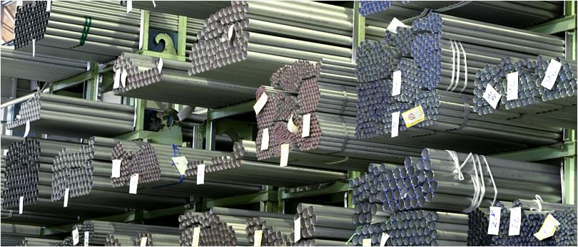 管端に色づけして目で見て鋼種管理